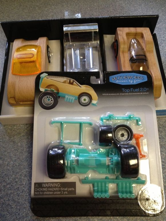 Let's Drive: Manhattan Toy Motorworks Cars and Accessories Review   Giveaway (US)
