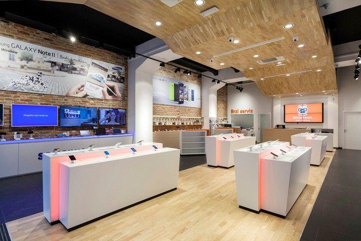 Smartphone Concept Store By Brigada 03 Di 2020 Toko Mobil