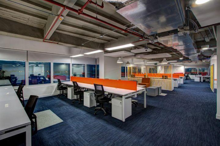 Es una oficina en Bogotá, Colombia. La oficina muy organizada.