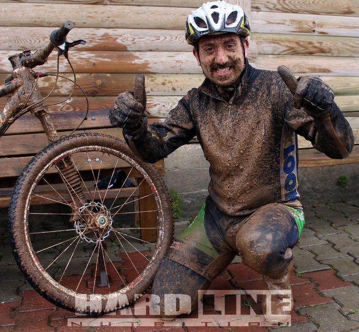 Dağ Bisikleti yarışmalarından kupasız ayrılmayan Şampiyonumuz Salih Manavoğlu Hardline Nutrition kullanmayı tercih edenlerden.  www.hardlinenutrition.com