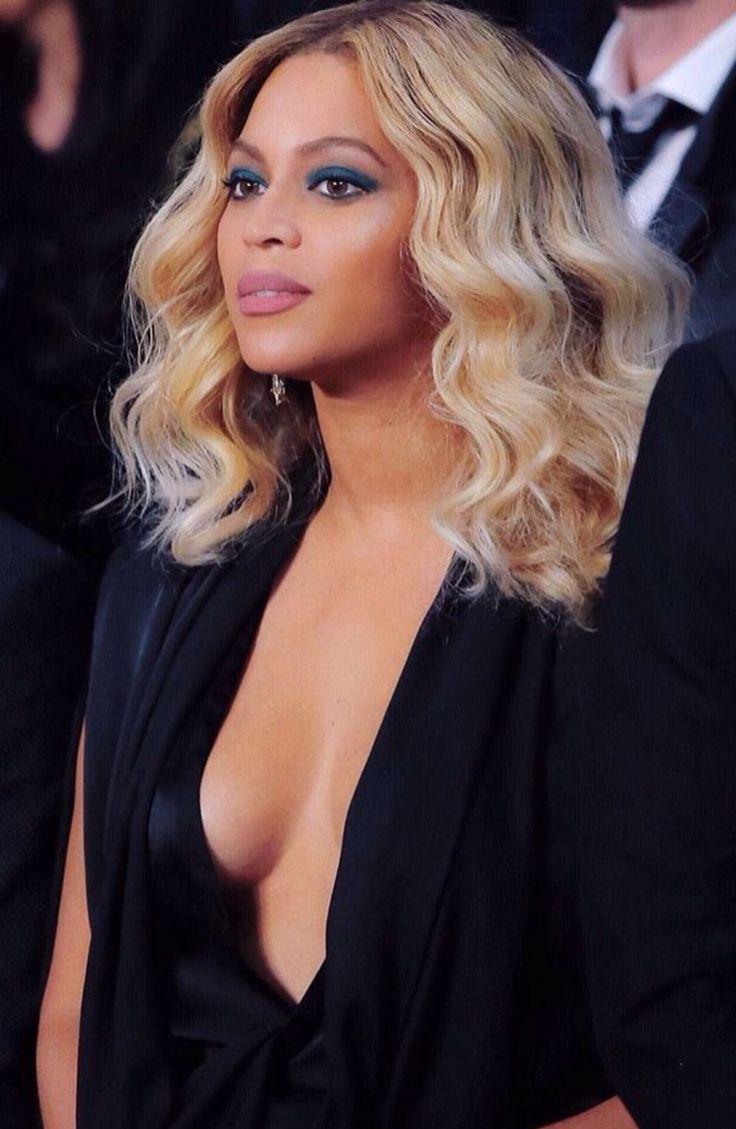 Beyoncé & Jay Z at the Mandalay Bay Events Center on November 21, 2015 in Las Vegas, Nevada – Miiguel Cotto vs Canelo Alvarez fight