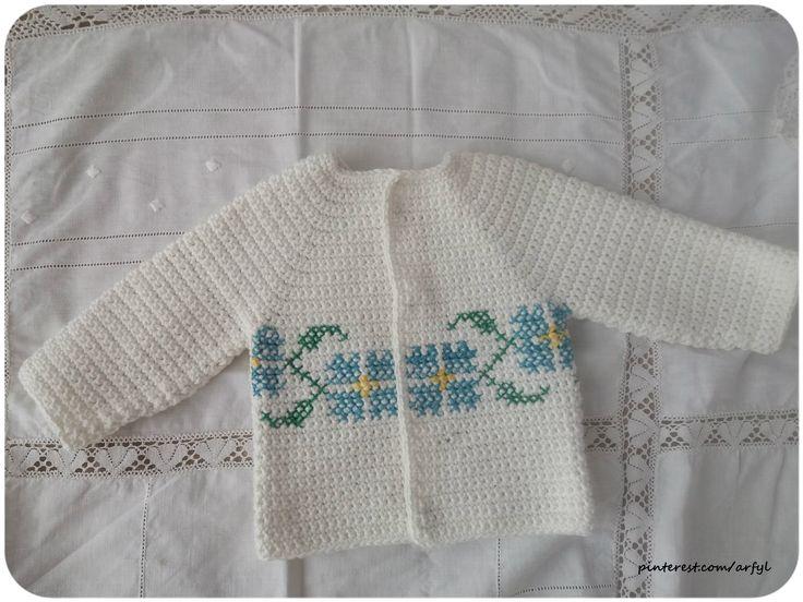 Babyjacke für Jungen gehäkelt gestickt weiß вышитая  кофточка для мальчика крючком для хлопчика