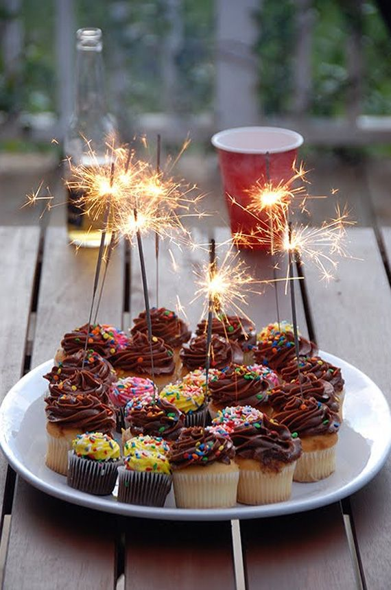 Small sparklers in the top of cupcakes for bonfire night
