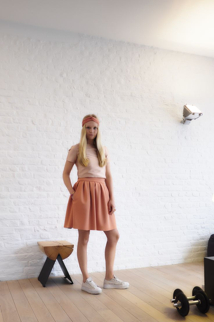 #nxi #fashion #trendy #inspiration #bohochic #skirt #top #croppedtop #chic #party #feest #dress #kleed #inspiratie #design #trend #rok #sneakers #going out