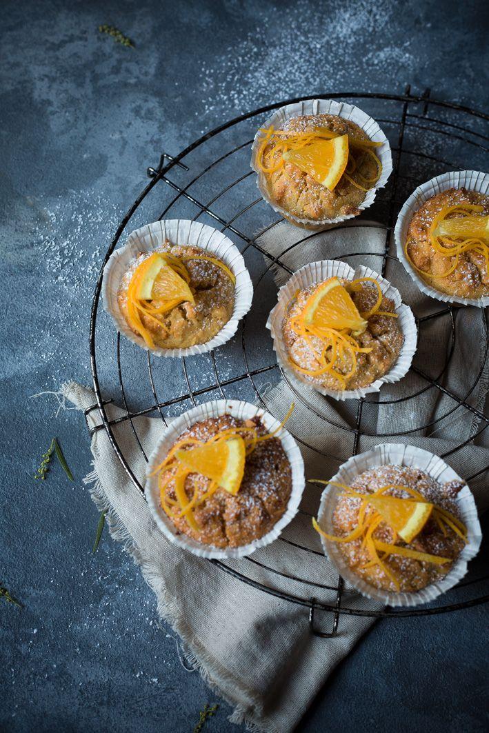 Orangen-Muffins mit Joghurt und gesunden Zutaten.