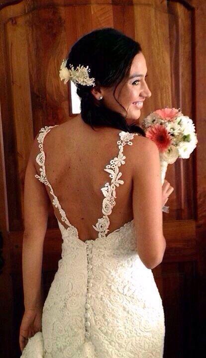 Lindo vestido de novia de macramé ,espalda rebajada y tirantes, colección 2015 Ana María Mancilla ammancilla@gmail.com