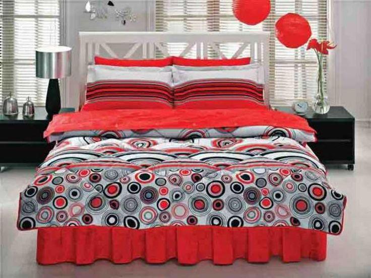 Taç Vendita Kırmızı Ranforce Uyku Seti Tatlı Rüyalar... Güzellik uykunuzun daha güzel olması için tasarlanan Ranforce Uyku Setleri, yorgan, yatak çarşafı,desenli ve sade olarak iki adet çift kişilik yastık kılıfı,  düğmeli iç nevresim ve baza eteğiyle size tatlı uykular diliyor.  Ebat : Çift Kişilik Yorgan : 195 x 215 cm Yorgan Çarşafı : 200 x 260 cm Çarşaf : 240 x 260 cm Yastık Kılıfı : 50 x 70 cm (2 Adet) Volanlı Yastık Kılıfı : 50 x 70 cm (2 Adet)