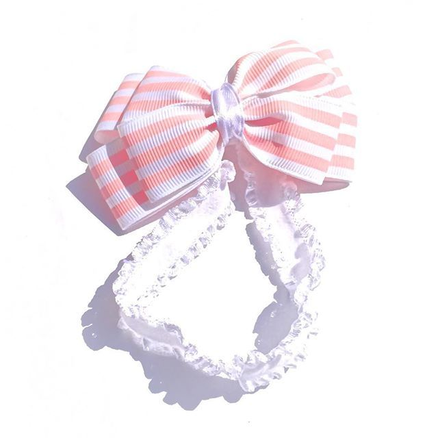 Pinwheel Bow for newborn. Price C$8. Custom orders accepted. Please email for orders mycutepotato@gmail.com  #headbands #babyheadbands #babybows #baby #babygirl #newborn #canada #madeincanada #handmadewithlove #vancity #vancouver #handmadeincanada #pinwheelbow #mycutepotato #bow #babypink #toronto #torontofashion #vancouverfashion