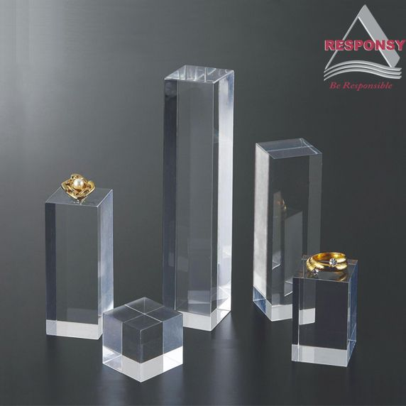 Custom crystal clear acrylic display stand for jewelries  1. Use high quality quadrel crystal acrylic as material; 2. Beautiful and attractive appearance; 3. Logo can be carved on the surface or inside the acrylic display stand; 4. Used for luxurious jewelry display; 5. Especially appropriate for show window display; 6. Customized size, height, shape is available; 7. OEM and ODM service provided. http://www.responsydisplay.com/Products-36--1-91--1.html