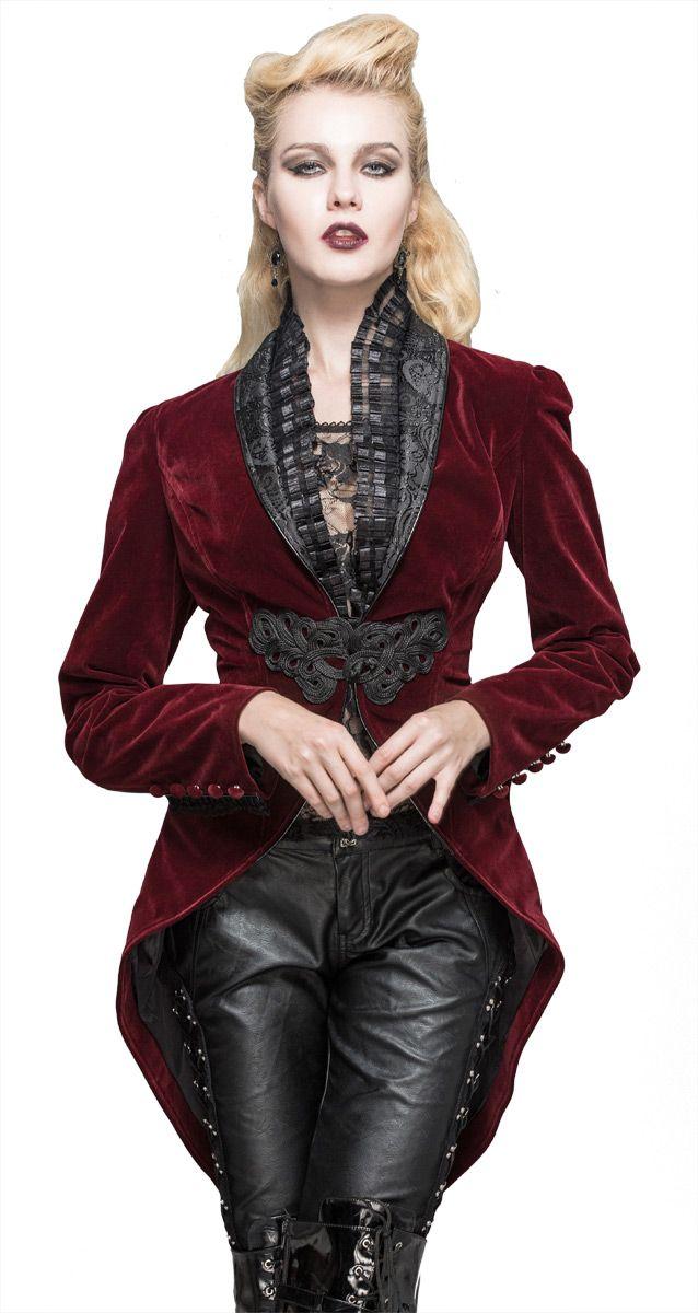 Veste en velours rouge, attache brodée et col décorés, élégant aristocrate vampire