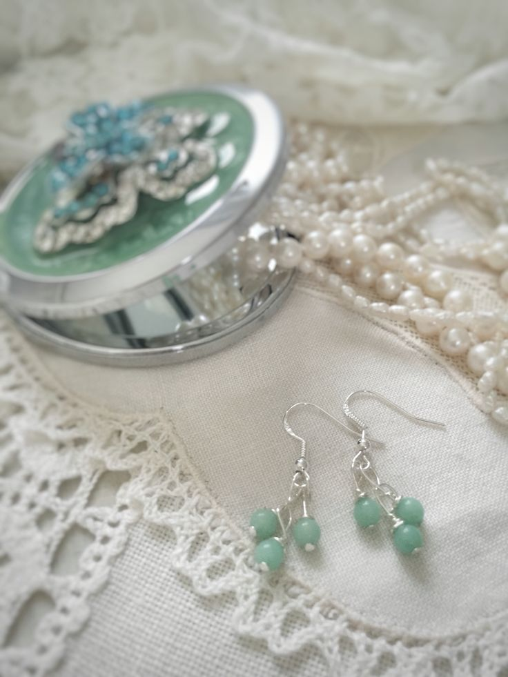 Turquoise jade earrings. Hand made jewelry on www.varalusikka.fi