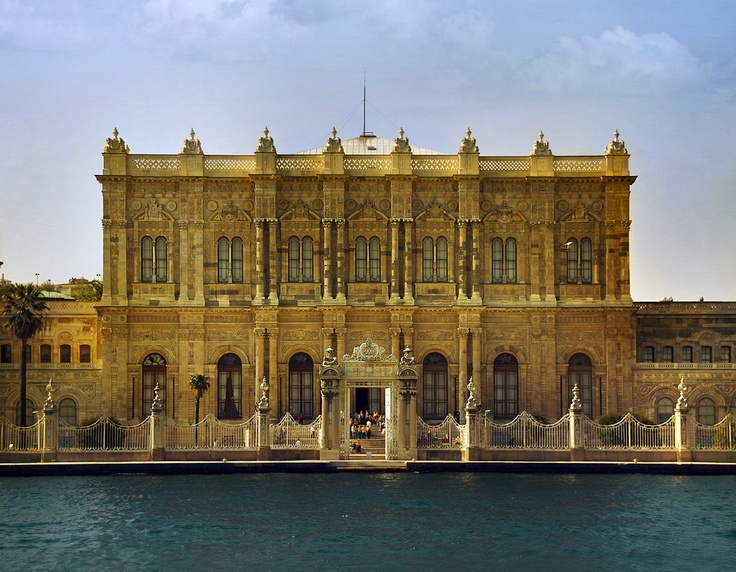 Dolmabahce Palace is a perfect example why symmetry = beautiful. Located in Istanbul where 6 sultans lived. So yeah, that's a house, well the photo is just a fraction of it.
