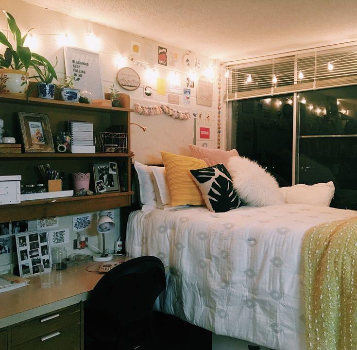 @halle.fancher ~~~~ #dorm #roomdecor