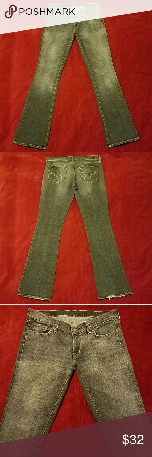 Citizens of Humanity Mango #085 Stretch Bootcut 31 A beautiful pair of Citizens of Humanity Mango #085 Stretch Low Waist Bootcut for the Ladies.  Size 31 with measurements of 32x33.  These are in fantastic condition.  Only some minor fraying on various edges and on back of pantleg bottoms.  No stains or holes anywhere!  Even with the fraying they could pass for New Without Tags they look so good! These are black.  Not jet black however.  More like a faded black. From a pet and smoke free…