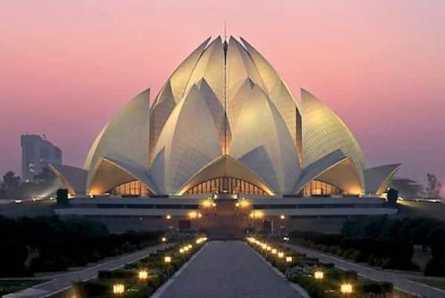 Baha'i Lotus Temple in New Delhi, India