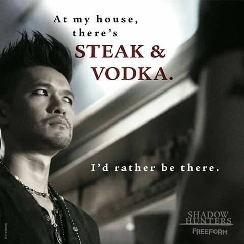 "Magnus Bane - Shadowhunters 2x01 ""The Guilty Blood"""
