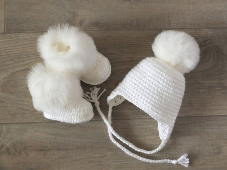 Baby pom pom hat and booties - Crochet baby clothes - White Baby winter clothes - Pom pom hat - Fur booties - Gender neutral baby clothes by HandmadebyInese on Etsy