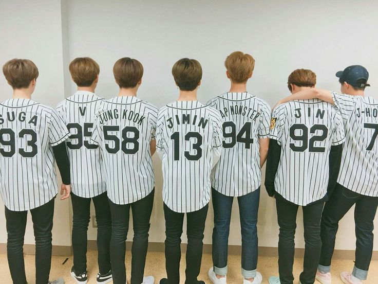 BTS went to the Hanshin Tigers  game today and Jungkook threw the first pitch ~ ⚾️ He has such great form!