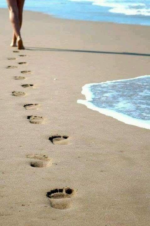 Chiunque attraversi il nostro cammino ha un messaggio per noi.    Altrimenti avr…