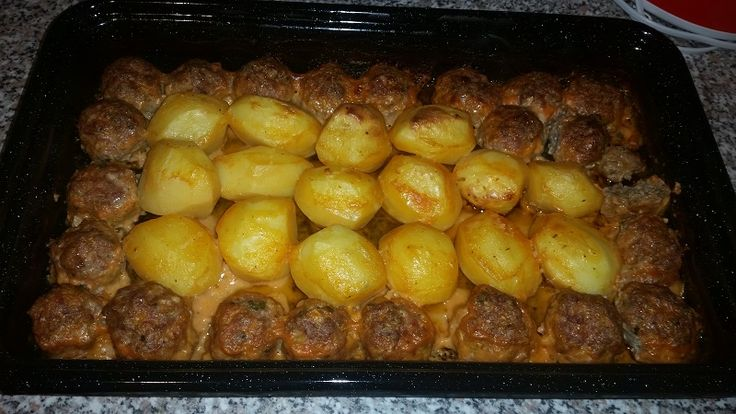 Reteta Chiftele cu cartofi la cuptor - Mancaruri cu carne