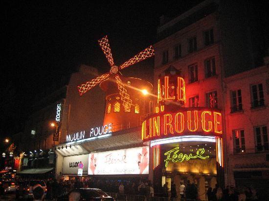 ムーランルージュ、パリの写真: I think tacky is the right word! - トリップアドバイザー メンバーが投稿した写真 (50,020 件) およびムーランルージュの動画をチェック