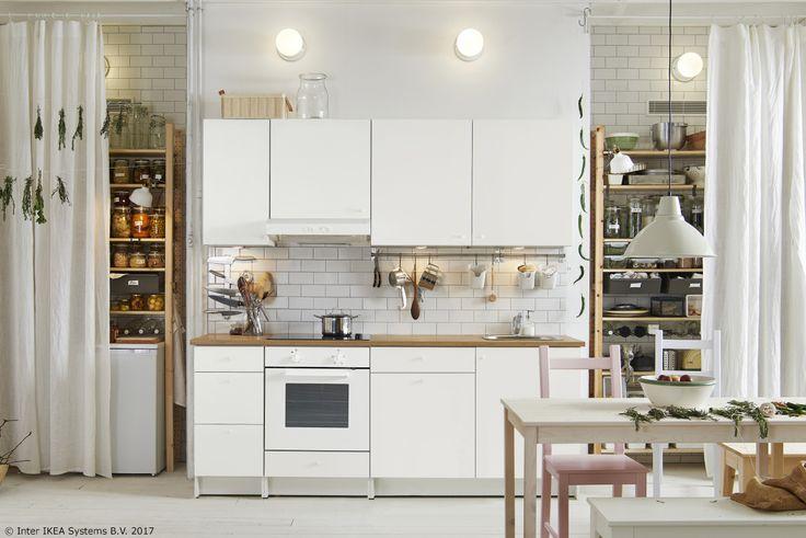Renovarea bucătăriei nu înseamnă să renunți la vacanță. Prețul bucătăriilor KNOXHULT îți va demonstra asta.