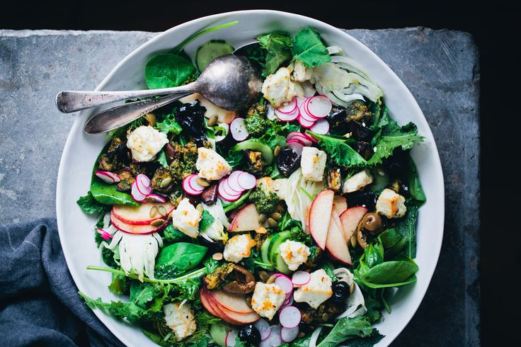 The feta combined with the pesto aubergine, crunchy fennel and sweet white peach, is a real flavour sensation and the perfect supper salad.