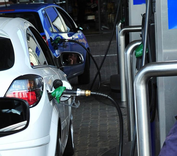 There's a huge chunk of relief in store for motorists next week.  The energy department has announced that the price of 93 and 95 octane petrol will decrease by R1.27 and R1.23 a litre, respectively, from Wednesday. This will bring the Gauteng price of 93 down to R11.02 a litre.  Click here to read the full story: http://www.iol.co.za/business/news/petrol-price-to-drop-by-r1-27-1.1800896#.VKalBCLI3Mo