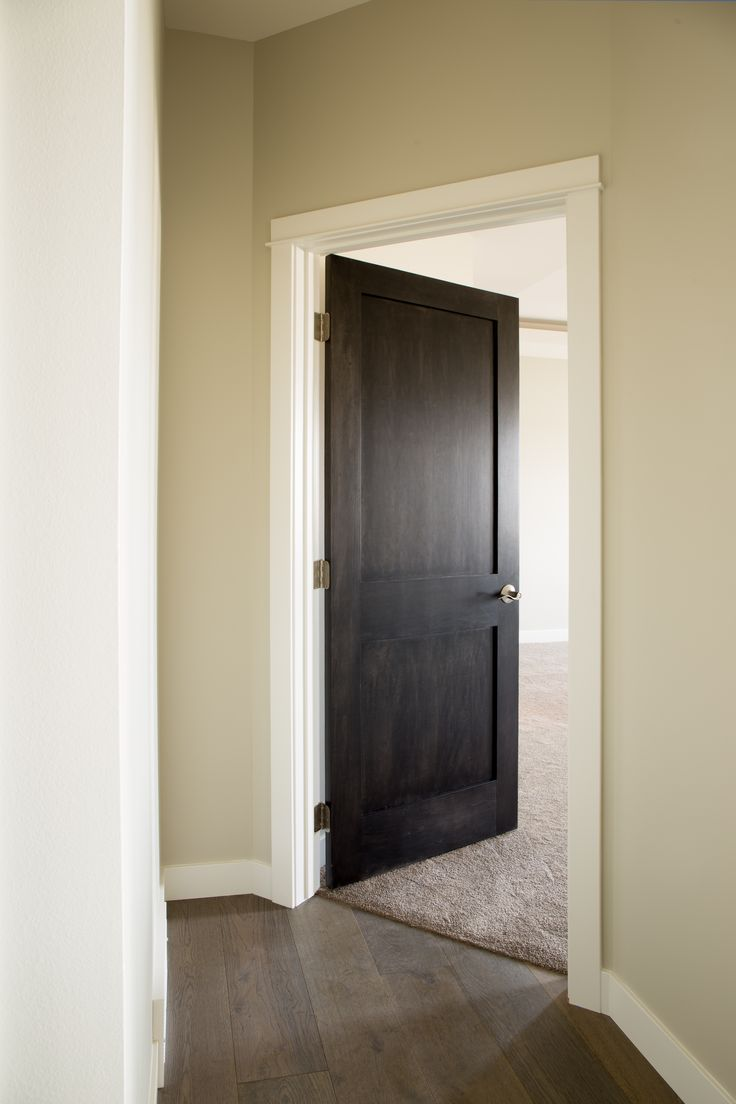 De 25 bedste id er inden for dark doors p pinterest for Interior door styles for homes