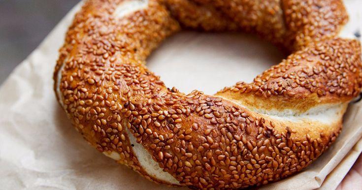 Турецие симиты можно печь дома! Колорита меньше, а вкус - потрясающий!