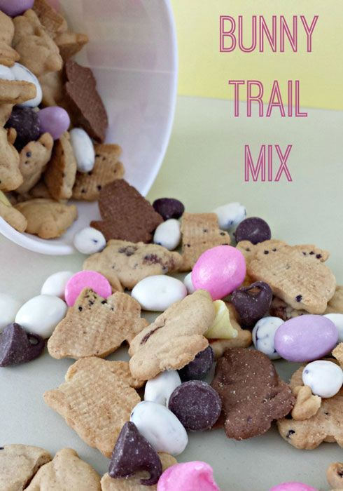 A fun and easy Easter treat! This Bunny Trail Mix will be a huge hit with the kids!