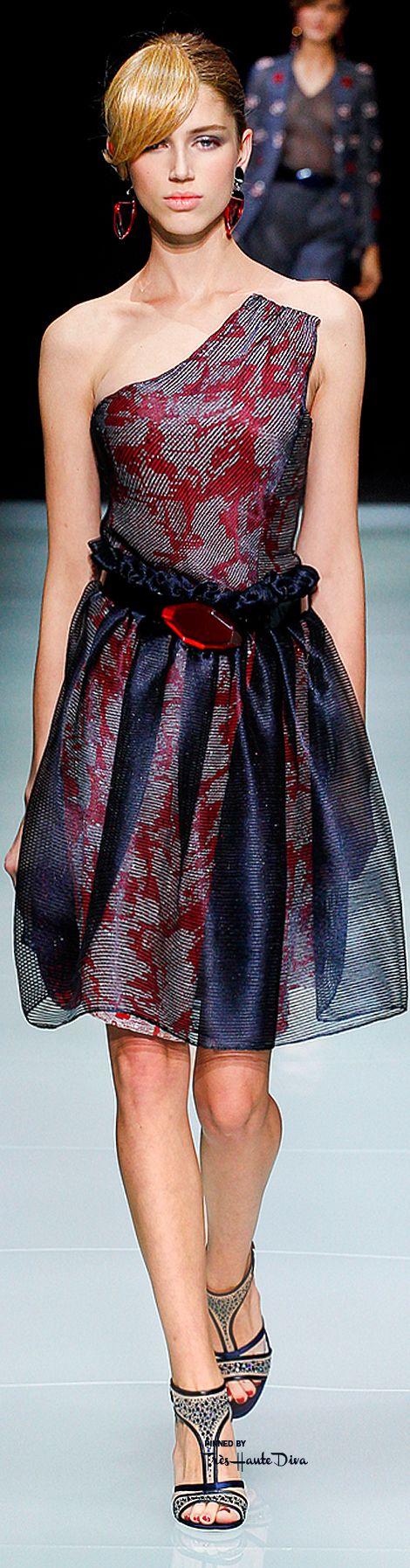 Giorgio Armani Spring 2016 RTW ♔ Très Haute Diva ♔ For more fashion go to my website at http://www.treshautediva.com/