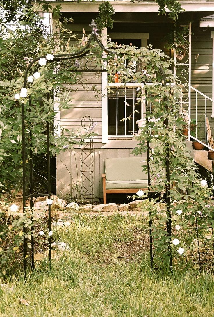 the 25 best metal arbor ideas on pinterest metal pergola vine trellis and arbor ideas. Black Bedroom Furniture Sets. Home Design Ideas
