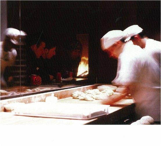 SHOPLIFTER Princi Bakery: Milan, 2003 archs: Claude Silvestrin