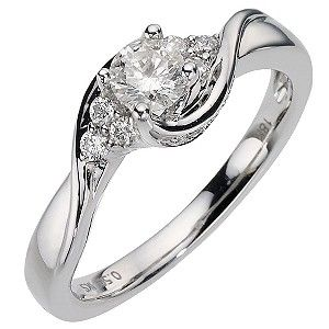 the perfect engagement ring not to big not to bulky but still effortlessly - Perfect Wedding Ring