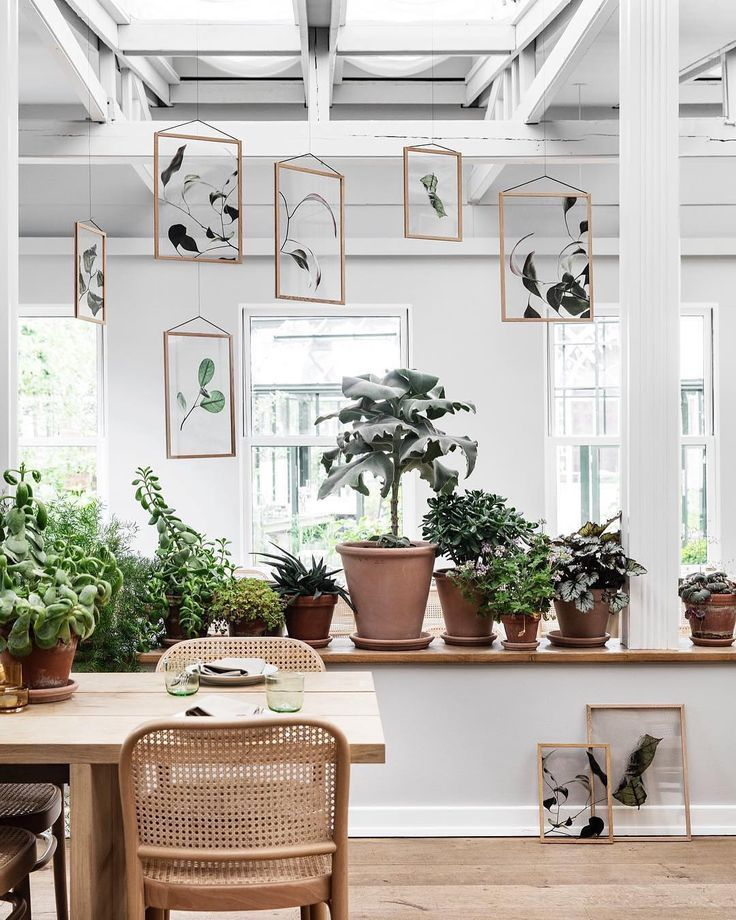 Welcome on board @moebecph! The #scandinavian brand designs produces and keeps things simple focusing on the essentials and striving to reduce designs to their most simple forms. Add more green to your home with the Floating Leaves #archiproducts #moebe #normarchitects #papercollective #floatingleaves