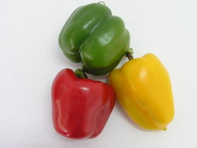 Peppers with 3 bumps on the bottom are sweeter and better for eating. Peppers with 4 bumps on the bottom are firmer and better for cooking.: Facts Friday, Cooking 3212, Meals, Eating Raw, Belle Peppers, Fun Facts, Interesting Facts, Types Sweet Peppers, Households Tips