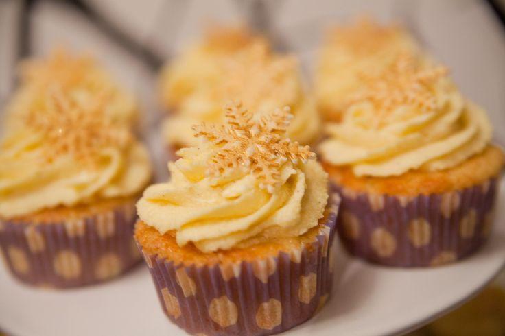 Es ist wieder Winter Sweet Table -Rezept-Zeit!  Die Lebkuchen Cake-Pops  hatte ich euch letzte Woche schon aufgeschrieben, das Rezept für di...