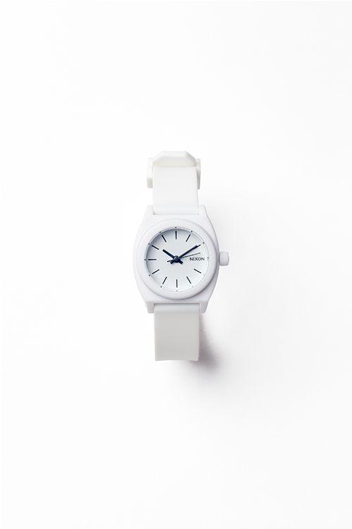 私的定番、白い時計