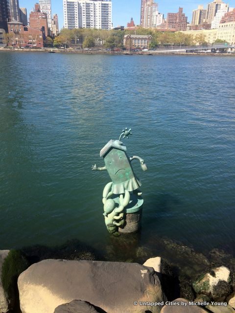 Daily What?! Tom Otterness Sculptures in East River Off Roosevelt Island