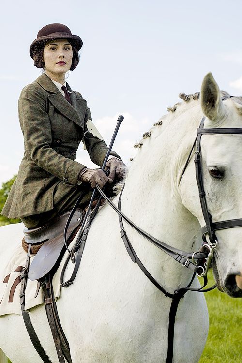 Lady Mary Crawley rides in the local hunt's point-to-point [Series 5, ep. 6]