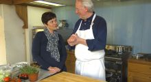 Hellstrøms blomkålsuppe med bacon | TV3 Mat