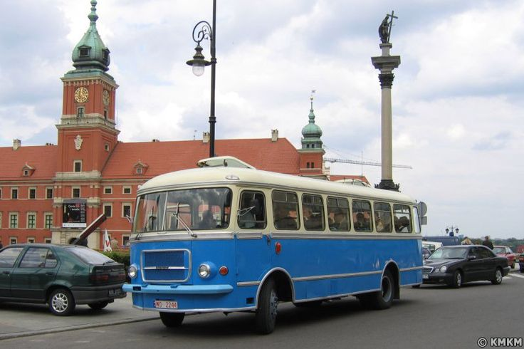 Retro Bus Tour: Warsaw of 40's, 50's, 60's, 70's & 80's!    Nietypowe wycieczki po Warszawie dla Polaków. Powojenna stolica z okien autobusów z danej epoki przedstawiona w sposób niekonwencjonalny. Wehikuł czasu!