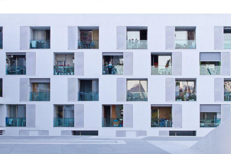 GRANADA 82 - 85 viviendas tuteladas para mayores, Can Travi Barcelona