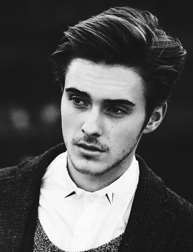 So Emma Watson has a brother. Yep, that's him. Alex. Clicky clicky for more.