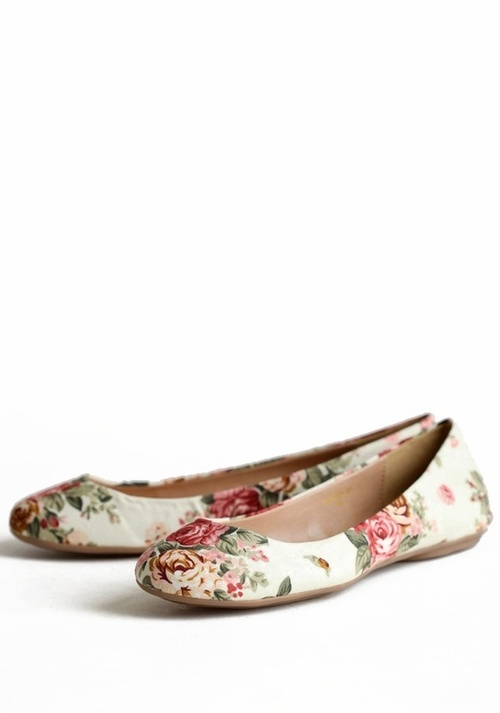 Floral Flat Shoes...add matching scarf, headband, and/or sweater for a super-cute outfit! (: