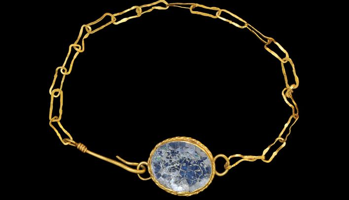 Roman Gold Bracelet, 2nd century A.D. Popular then, popular now -- delicate bracelet, small focal.