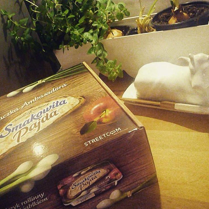 I mamy Wege smalczyk :) do jedzenia i smażenia :)  #SmakowitaPajda #SmalczykRoślinny https://www.instagram.com/p/BB5dMKRMDUz/