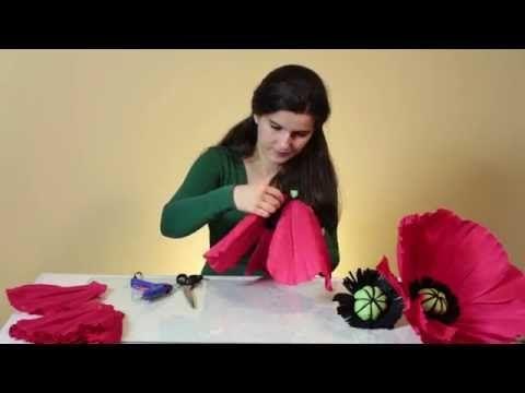 Большие цветы из гофрированной бумаги.Мастер класс: аксессуари для свадебной фотосесии - YouTube