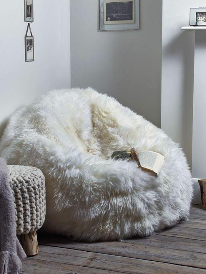 quelle couleur associer au gris perle chambre avec un gros pouf en peluche blanche avec les murs grisatres